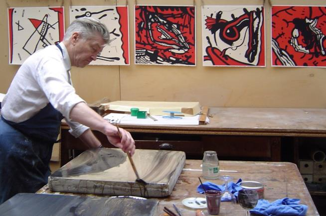 David Lynch mentre dipinge