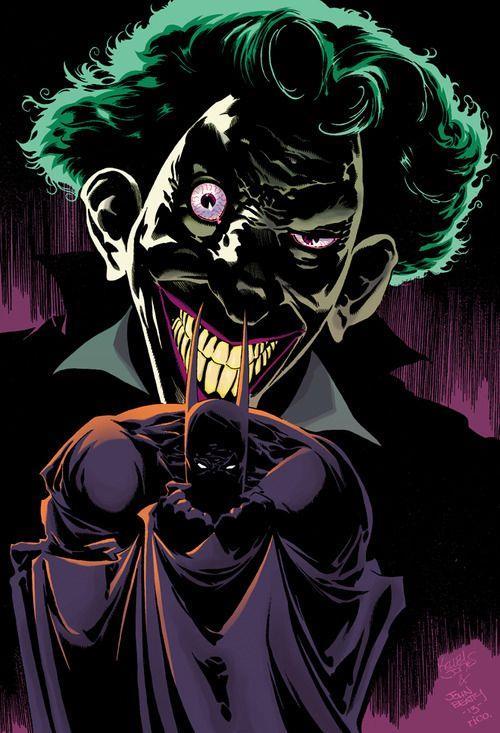 Il volto del Joker sovrasta Batman, su sfonda viola