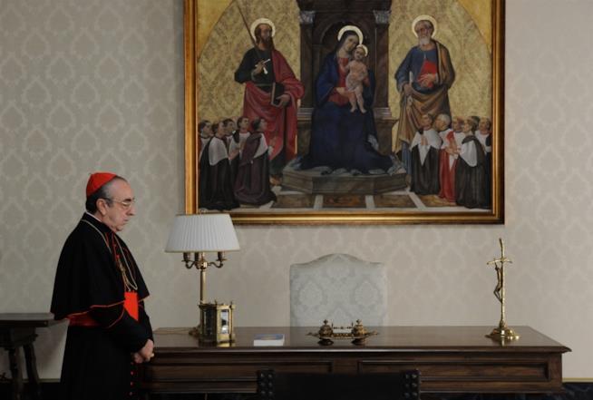 Silvio Orlando è il Cardinal Voiello in The Young Pope
