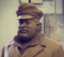 La statua dedicata a Bud Spencer
