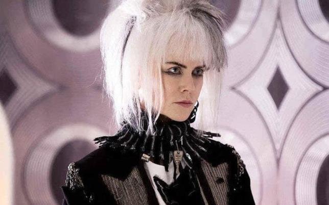 Primo piano di Nicole Kidman in versione punk