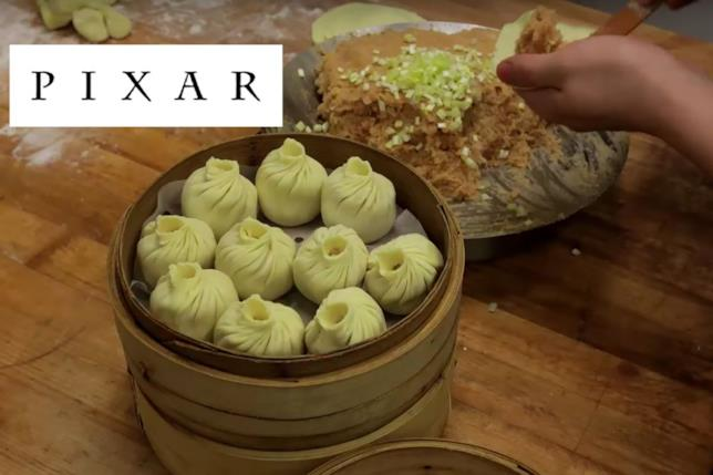 La lavorazione dei tradizionali ravioli cinesi che hanno ispirato la trama del film