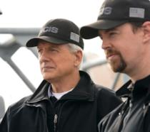 Mark Harmon e Sean Murray nella serie TV NCIS