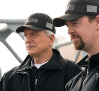 Mark Harmon e Sean Murray nella serie TV NCIS