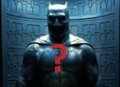 Il costume di Batman correlato da un punto interrogativo