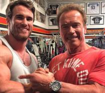 Calum Von Moger e Arnold Schwarzenegger