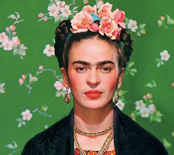 Frida Kahlo in un'immagine iconica