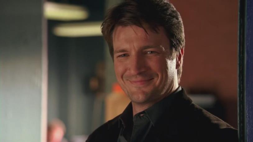 Nathan Fillion sorridente
