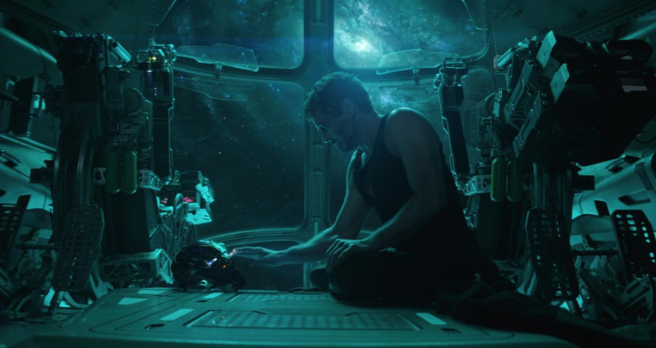 Tony Stark regista un messaggio per Pepper Potts in una scena di Avengers: Endgame