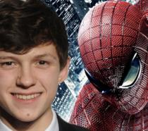 Un collage tra Tom Holland e Spider-Man