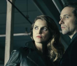 Elizabeth e Philip nella quarta stagione di The Americans