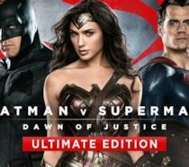 La copertina di Batman V Superman - Ultimate Edition