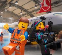 Due Minifigure LEGO nello spot di Turkish Airlines