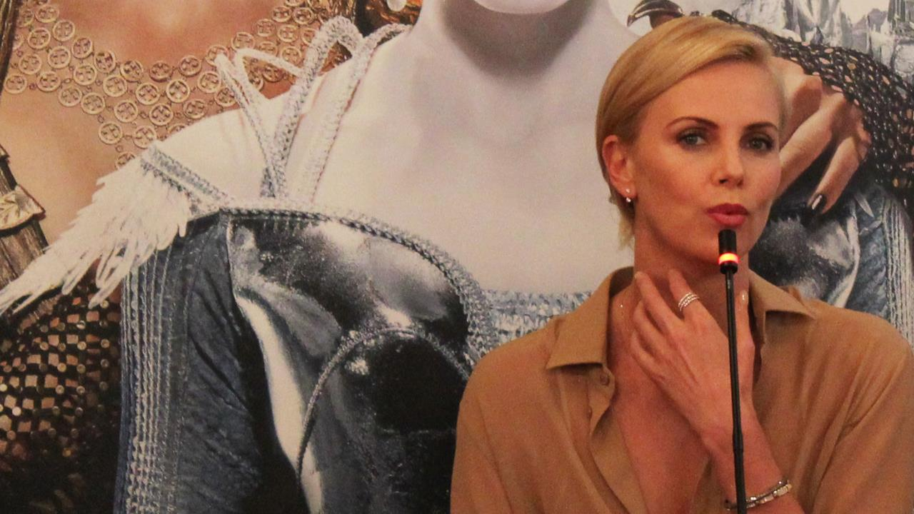 Charlize Theron incontra la stampa milanese