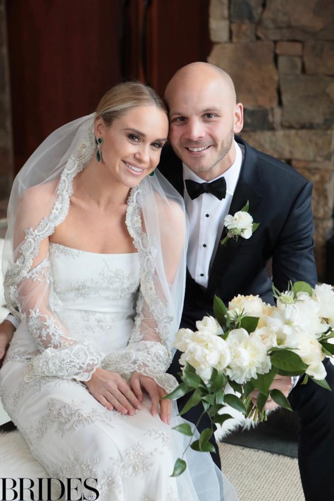 I neo sposi Becca Tobin e Zach Martin