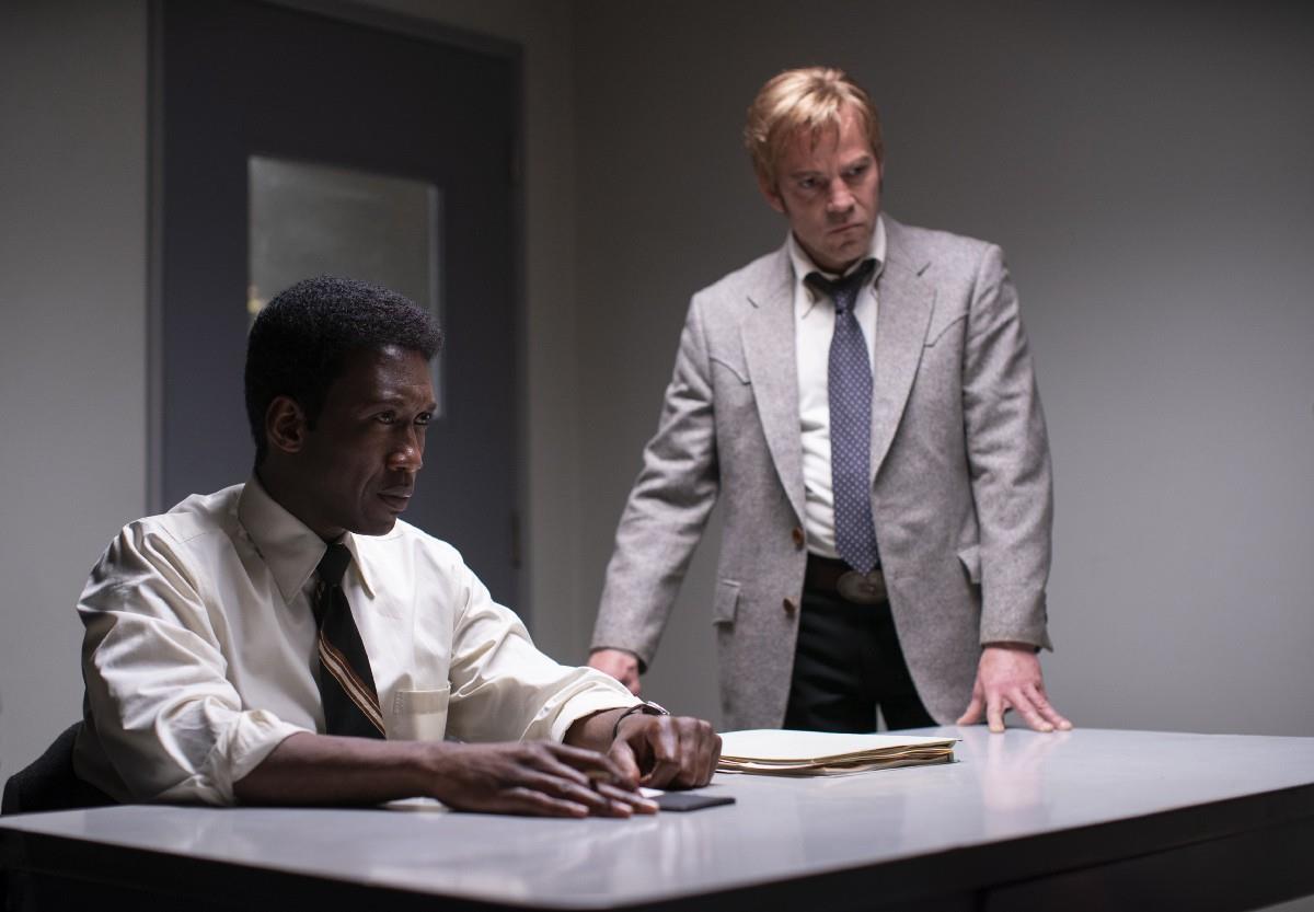 True Detective 3: Mahershala Ali nei panni di Wayne Hays e Stephen Dorff in quelli di Roland West