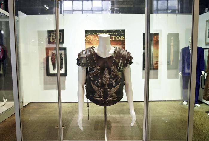 The Art of Divorce: in vendita l'armatura indossata da Russell Crowe nel film Il Gladiatore