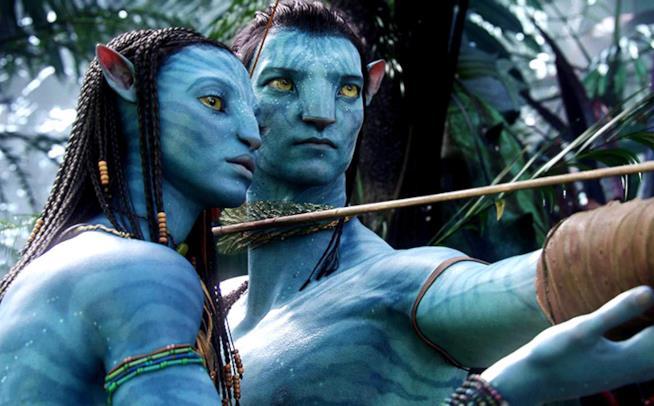 Zoe Saldana (Neytiri) e Sam Worthington (Jake) in una scena di Avatar (2009)