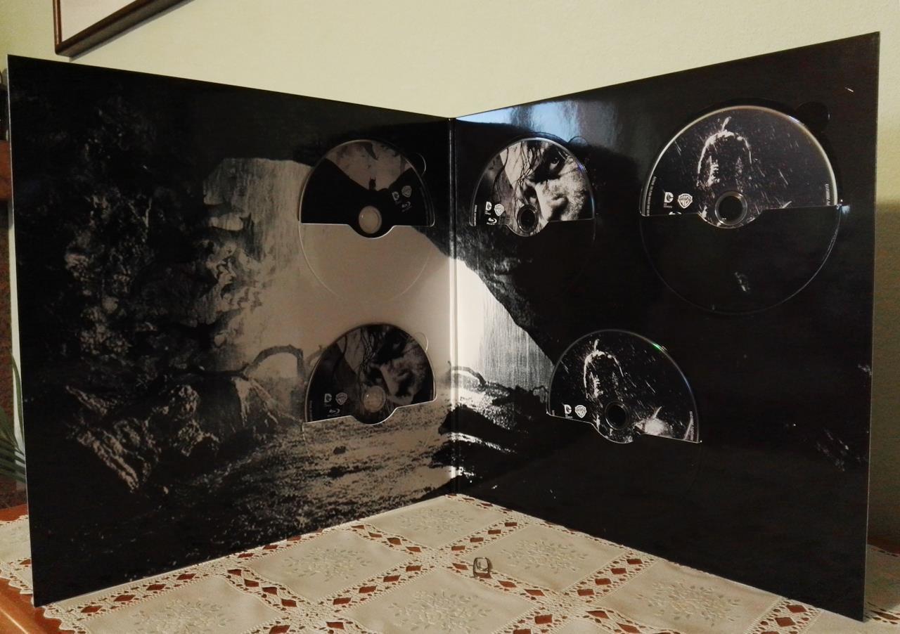 Il contenuto della Vinyl Edition de Il Cavaliere Oscuro - La Trilogia