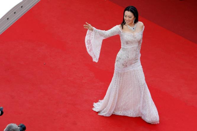 Gong Li sul red carpet di Cannes 2016