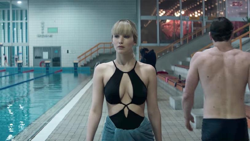 Jennifer Lawrence in costume da bagno