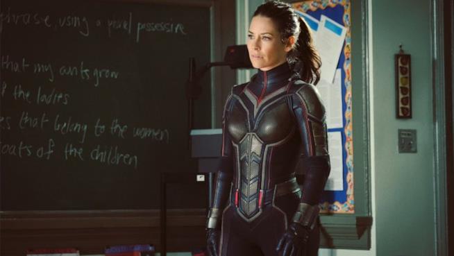 Evangeline Lilly con indosso il suo costume da Wasp