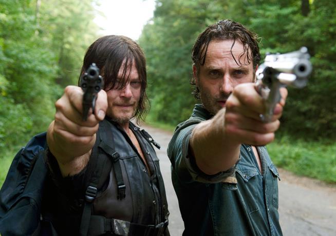 Daryl e Rick in una scena di The Walking Dead 6