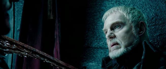 L'attore Derek Jacobi interpreta il vampiro Alexander