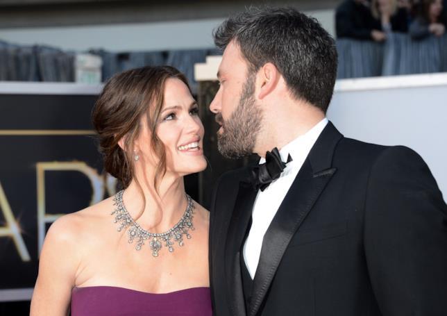 Ben Affleck e Jennifer Garner in un momento di tenerezza
