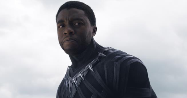 Chadwick Boseman nei panni di Black Panther