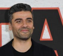Primo piano di Oscar Isaac alla premiere di Star Wars: Gli ultimi Jedii