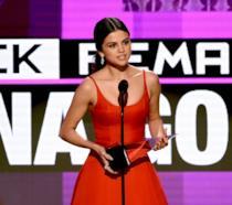 Primo piano di Selena Gomez agli American Music Awards 2016