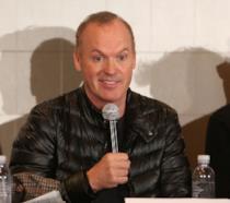 Michael Keaton durante una conferenza stampa