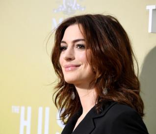Il sorriso inconfondibile e contagioso di Anne Hathaway