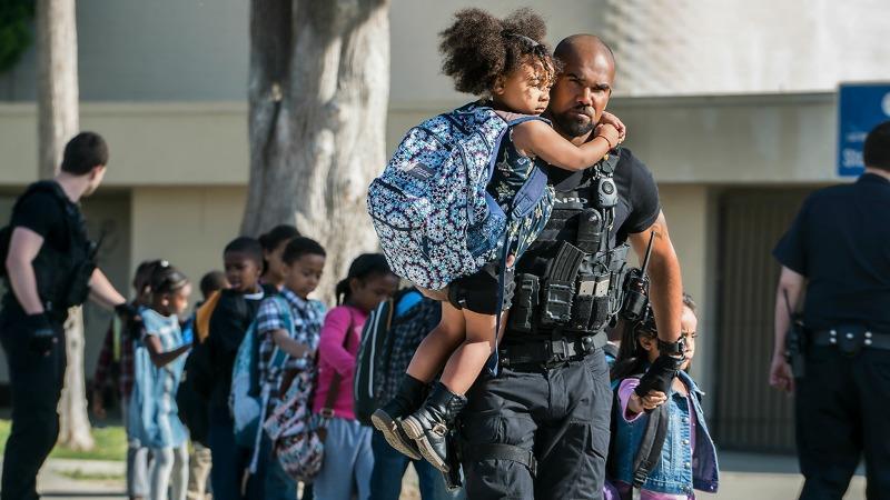 S.W.A.T: l'evacuazione di una scuola nell'episodio pilota