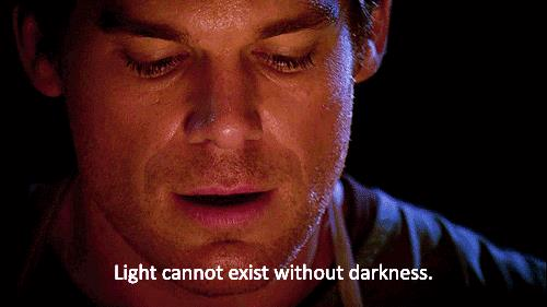 Dexter Morgan adora essere posseduto dal suo Passeggero Oscuro