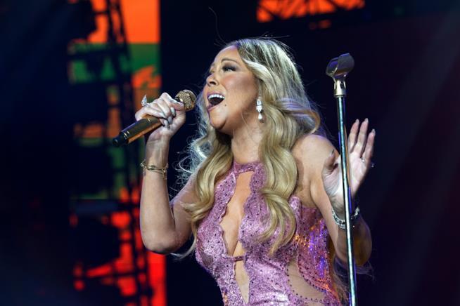 Primo piano di Mariah Carey in concerto