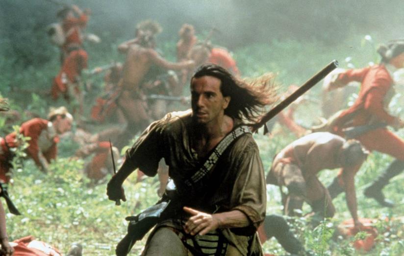 Un'immagine di Daniel Day-Lewis nel film L'Ultimo dei Mohicani