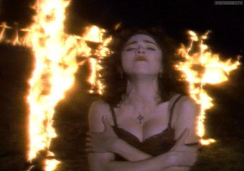 Madonna nel video di Like a Prayer contestato da Pepsi