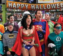 Il cast di Big Bang Theory in maschera per Halloween
