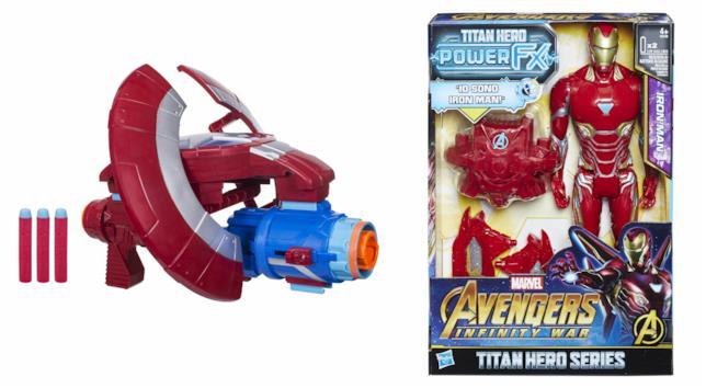 Il blaster dedicato a Capitan America e la figure parlante di Iron Man