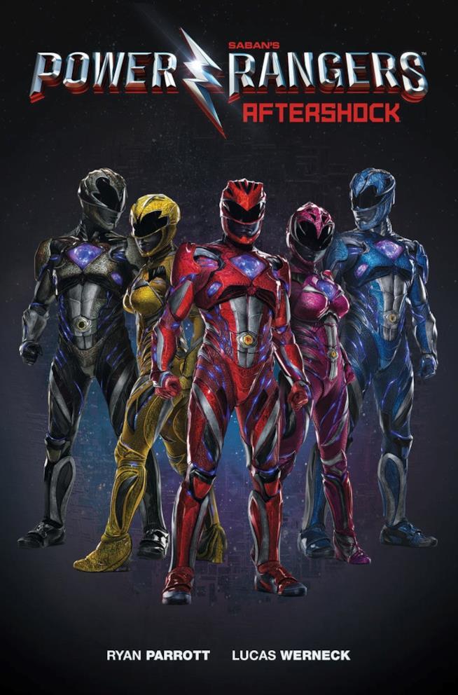 I Power Rangers del reboot in uniforme
