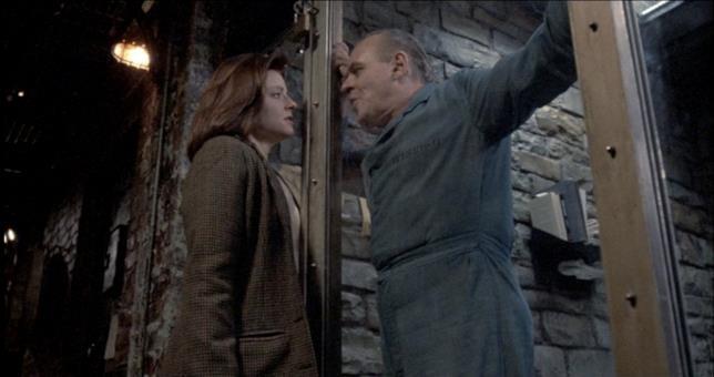 Clarice e Hannibal in una scena de Il Silenzio degli Innocenti