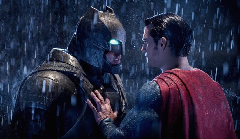 Batman e Superman faccia a faccia in una scena del film