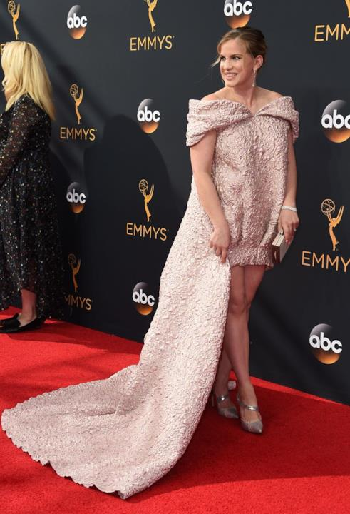 Il red carpet di Anna Chlumsky agli Emmy 2016