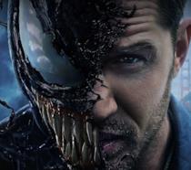 Tom Hardy nei panni di Venom nel poster del film