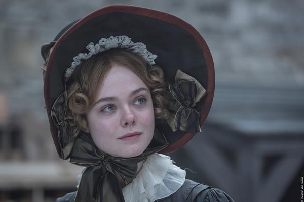Primo piano di Elle Fanning in una scena di Mary Shelley