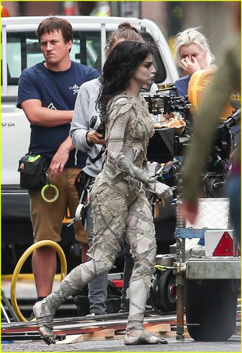 Sofia Boutella scena La Mummia