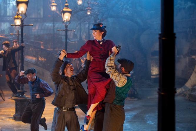 Emily Blunt balla in Il ritorno di Mary Poppins