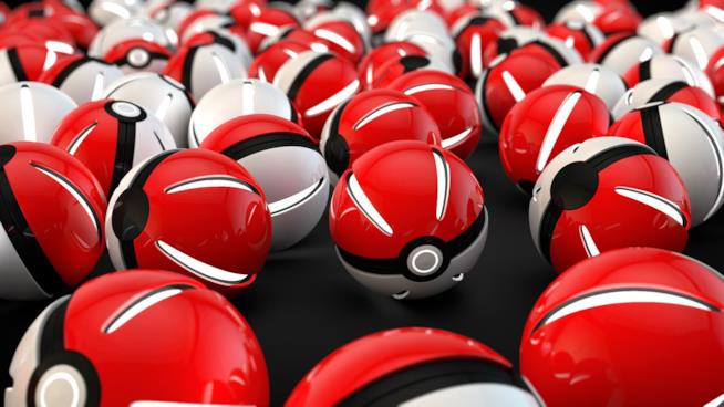 Tante PokéBall reali ricordano la realtà virtuale di Pokémon GO